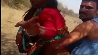 Dehati bhabhi outdoor xxx sex video caught