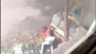 Desi randi fucked on road caught on cam
