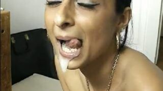 Sexy indian aunty sucking penis of customer