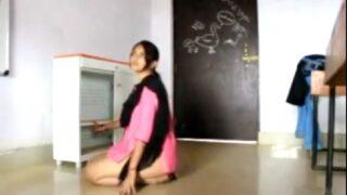 Desi college girl xxx sex in classroom