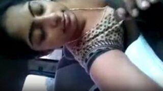 Malayali sexy chechi blowjob inside car